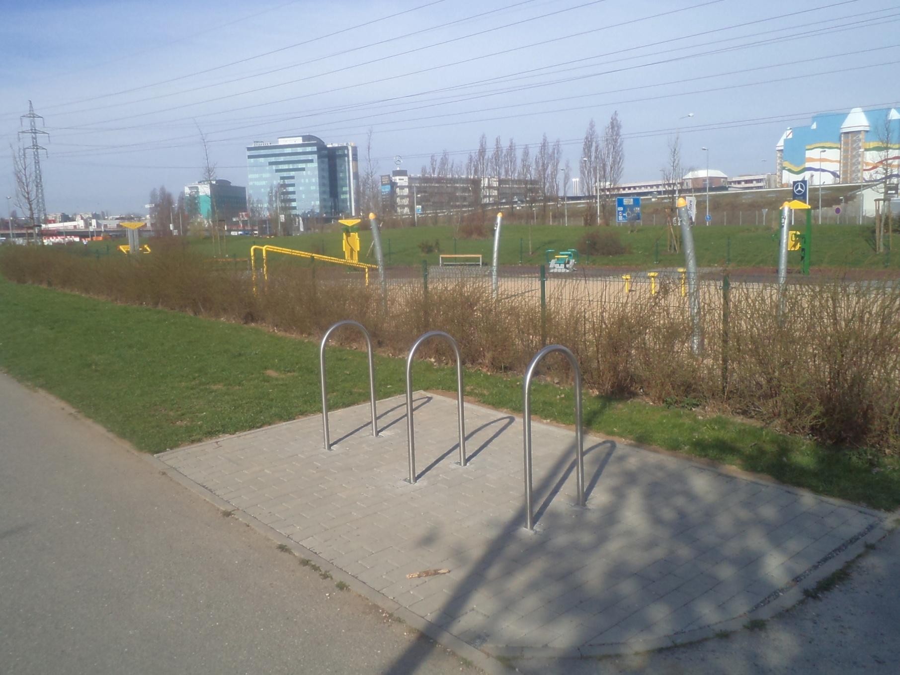 III 04a park u Chodovské tvrze, obrázek se otevře v novém okně
