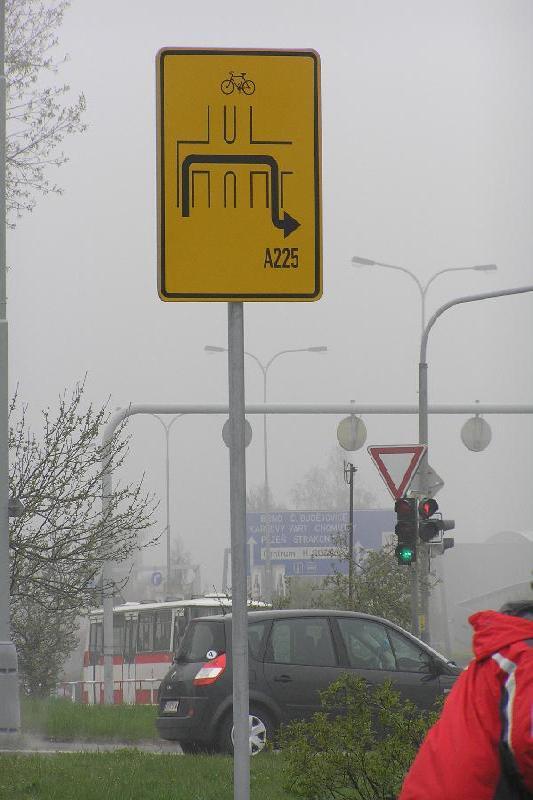 cykloprojížďka 18.4.2008 - Türkova x Archivní, obrázek se otevře v novém okně